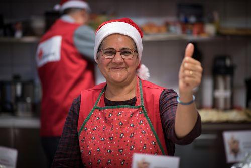 Frivilliga förbereder julfest på Röda Korset i Hedemora